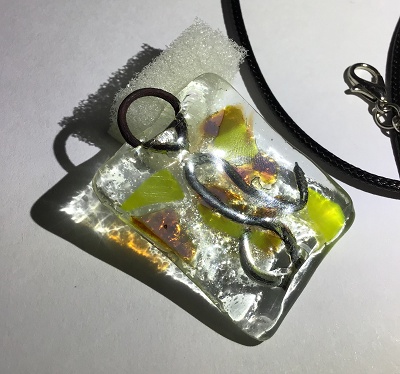 Glass necklace - Leo
